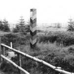 Vor Grenzsäulen wird der Grenzverlauf mit besonderer Sorgfalt markiert.